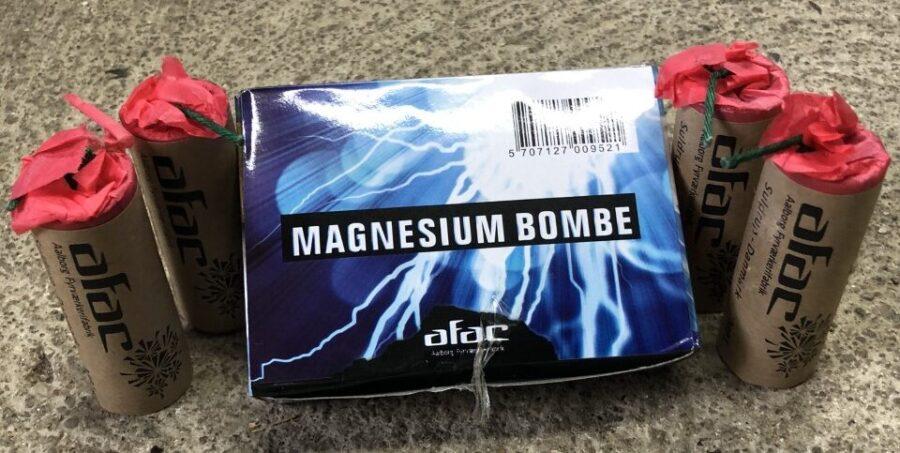 MAGNESIUM BOMBE. 3 pakker 100,-